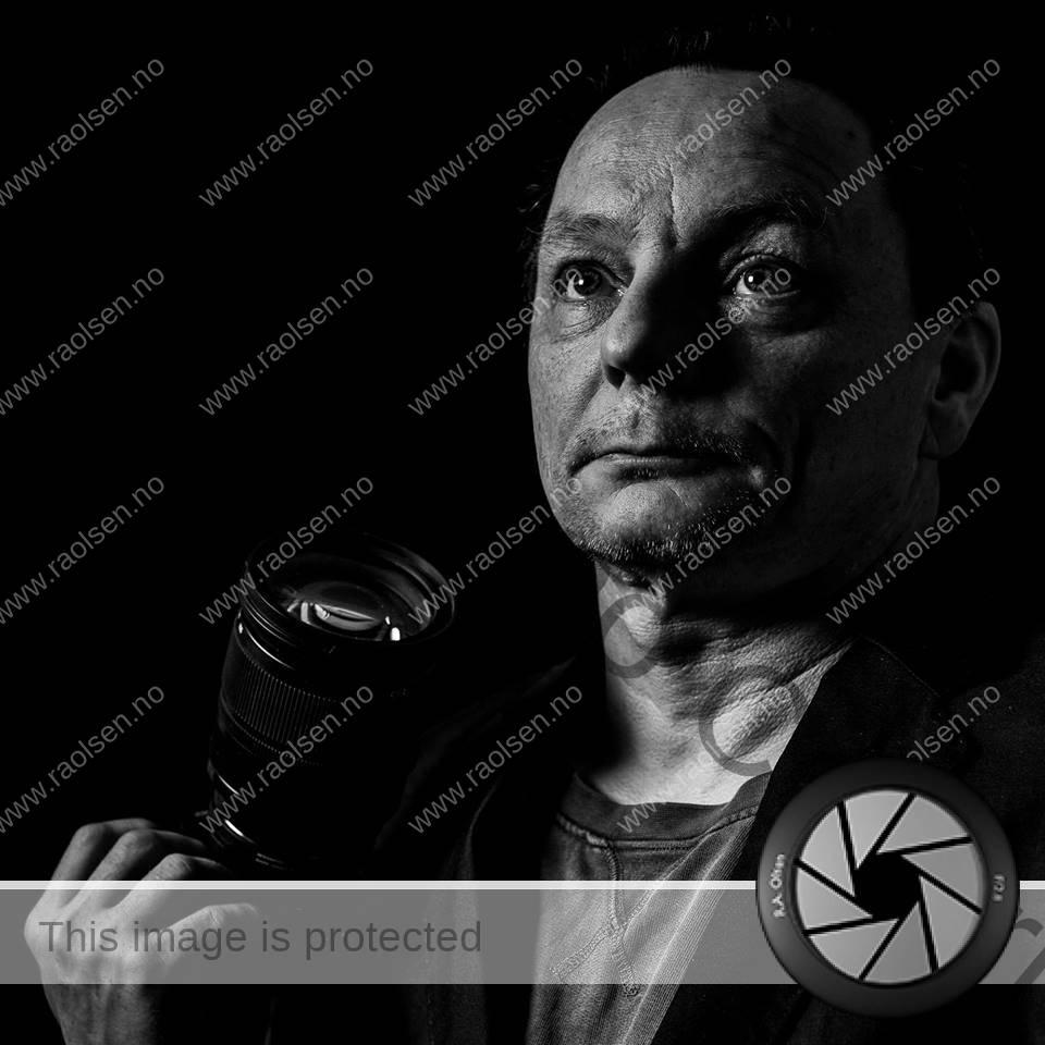 Selvportrett i sort og hvitt